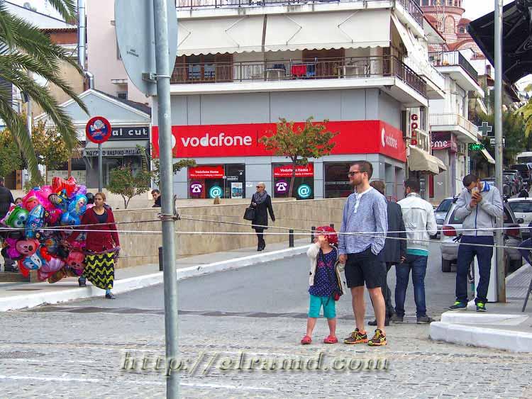 День Охи: Туристы ждут парада
