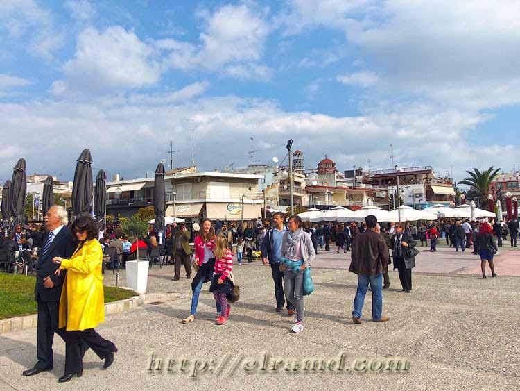 День Охи 2015: Оживленная набережная после парада