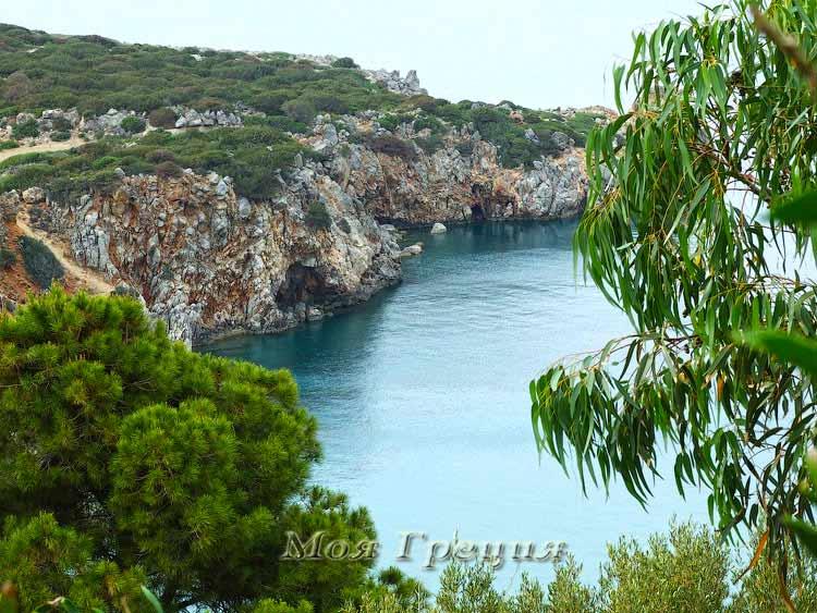 Бухта на восточном побережье Крита