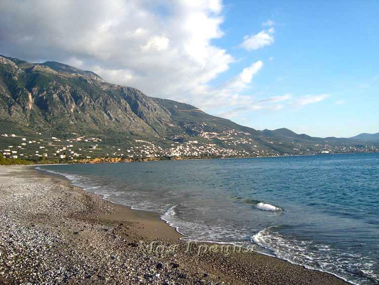Галечные пляжи Каламаты