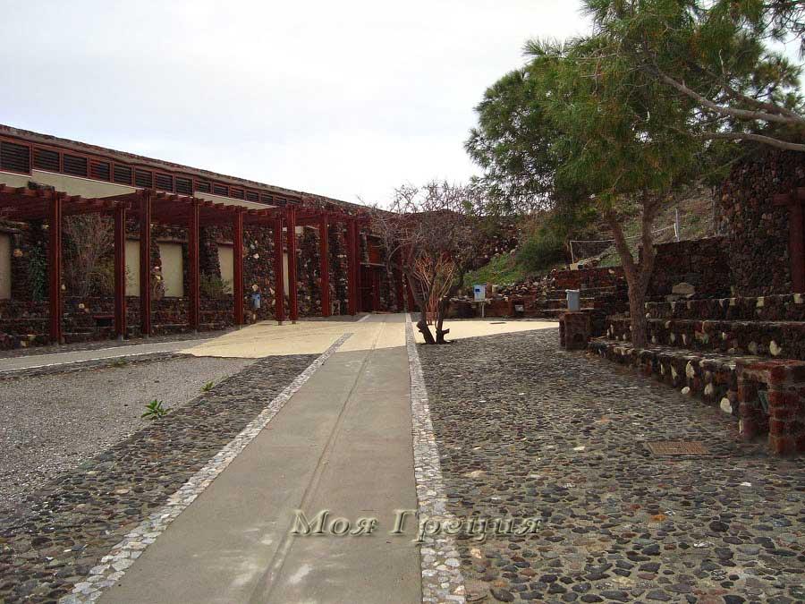 Павильон-музей с раскопками Акротири