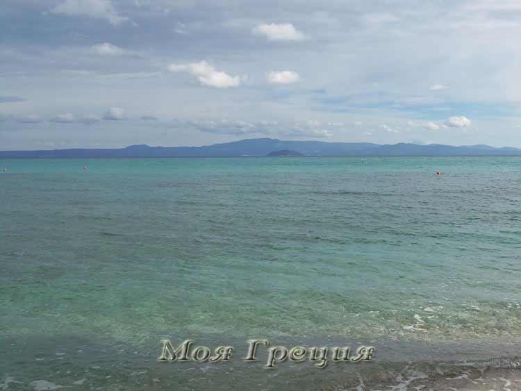 Вид на Ситонию с пляжа Ханиоти