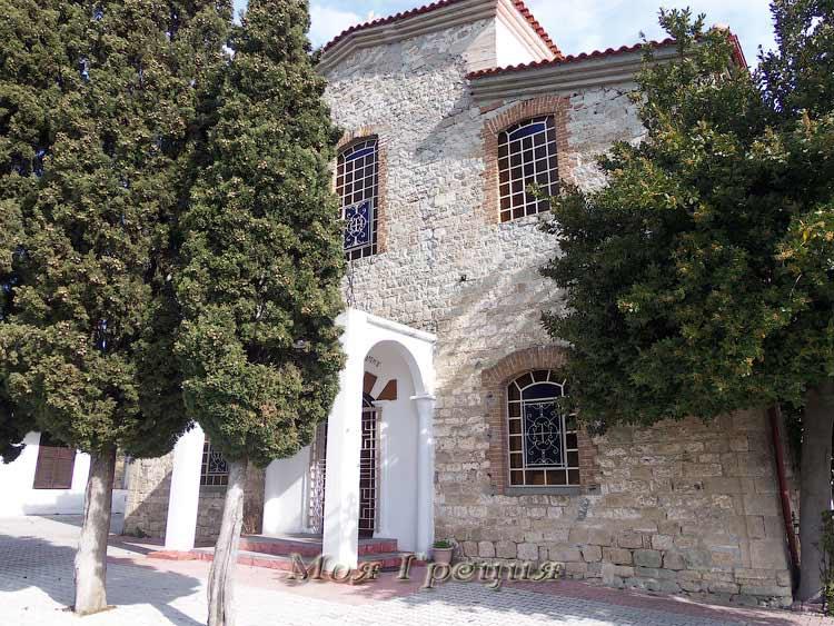 Храм Иоанна Предтечи, Агия Параскеви