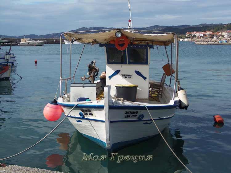 Лодки а Неа Скиони