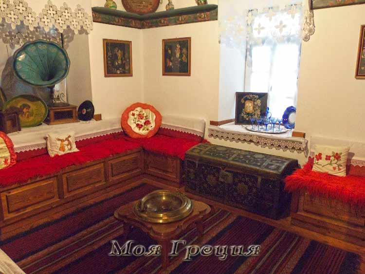 Вторая гостиная в доме Пулкос