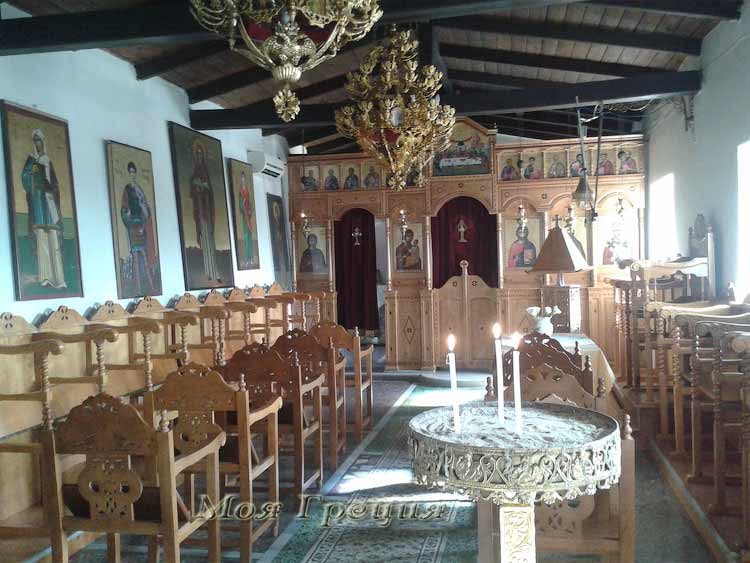 В храме Св. Параскевы, Агия Параскеви