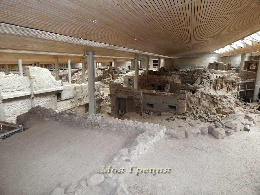 Развалины дома с рогами