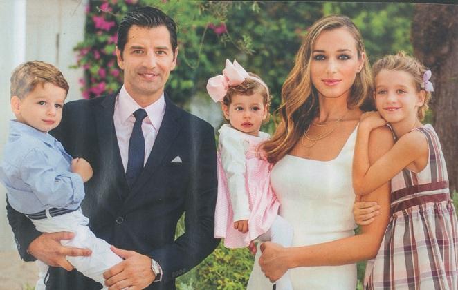 Сакис Рувас и его семья