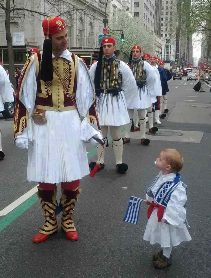 Офицер президентской гвардии на параде 25 марта в Нью Йорке