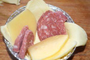 Начинка из колбасы и сыра