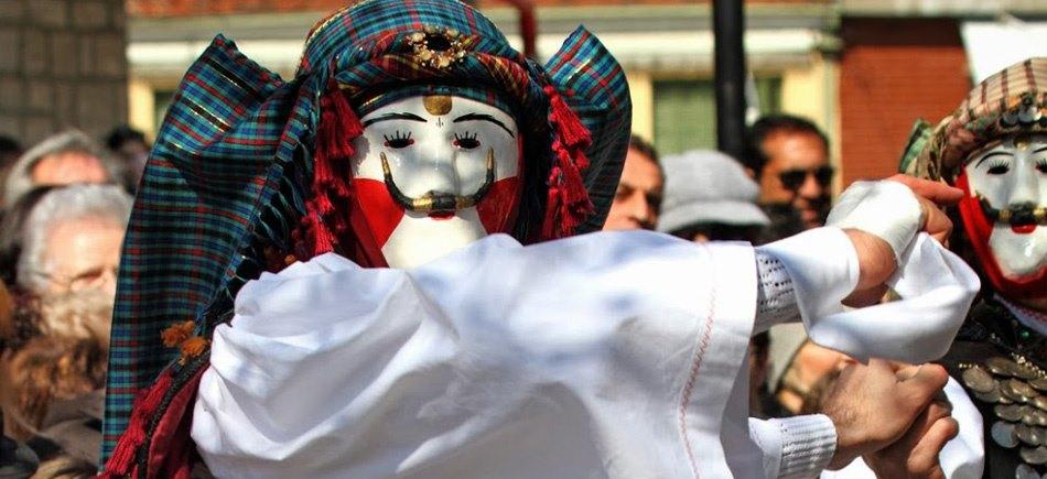 Янычары и Булес - народный обычай Науссы
