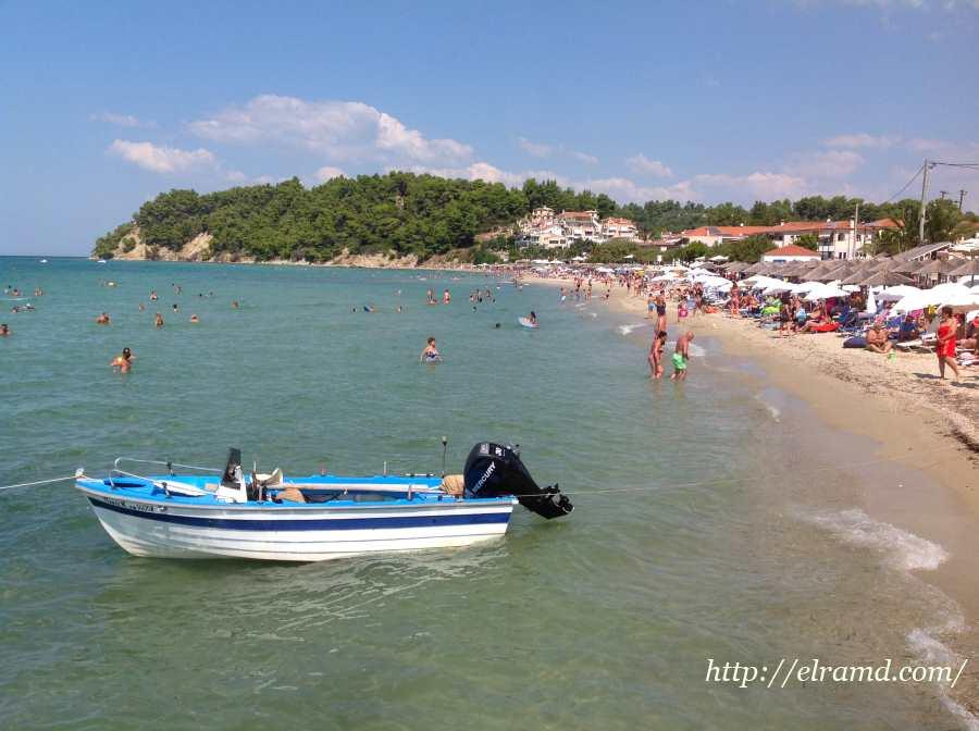 Лодка у пляжа Сивири