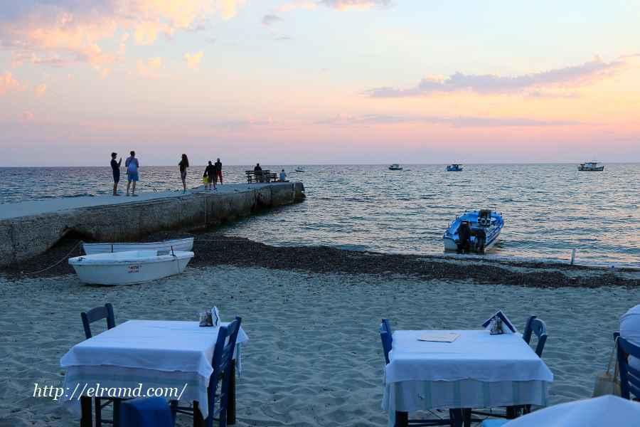 Встречаем закат в ресторане на пляже