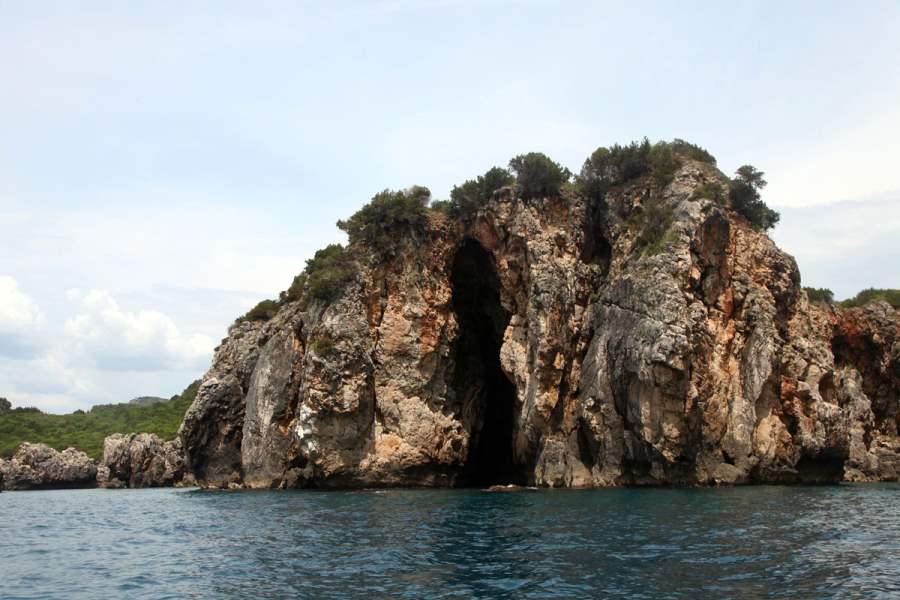 Пещера Персефоны
