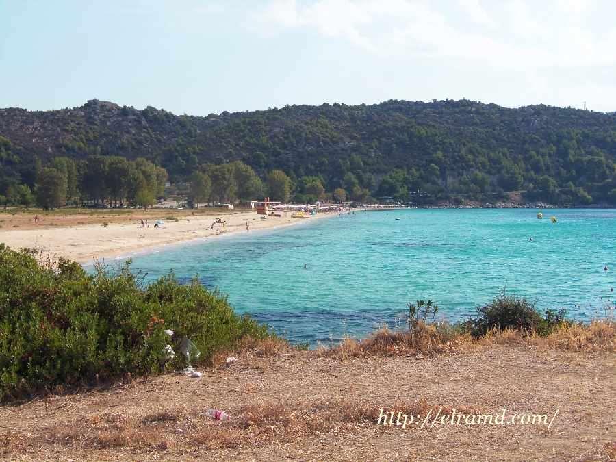 Вид на пляж Агиос Иоаннис