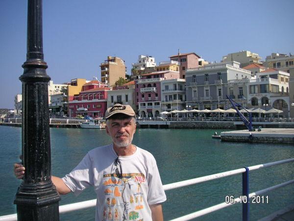 На морской набережной, Агиос Николаос