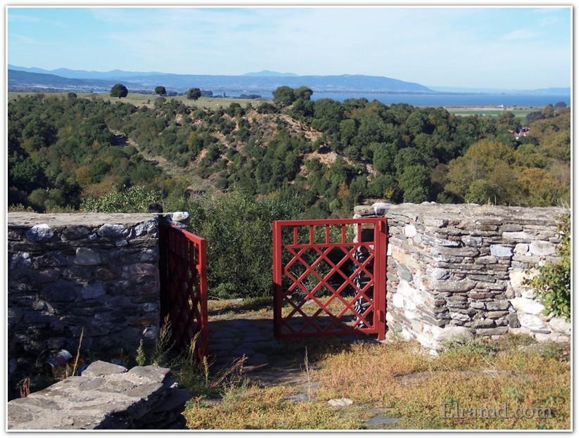 Ворота в крепость открыты