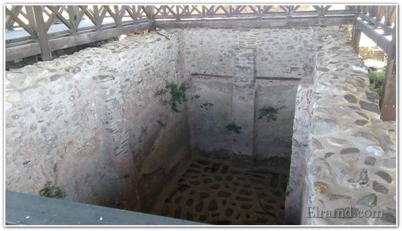 Бывшая цистерна для воды, над которой построили базилику