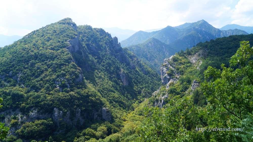 Горы вокруг Лутра Позар