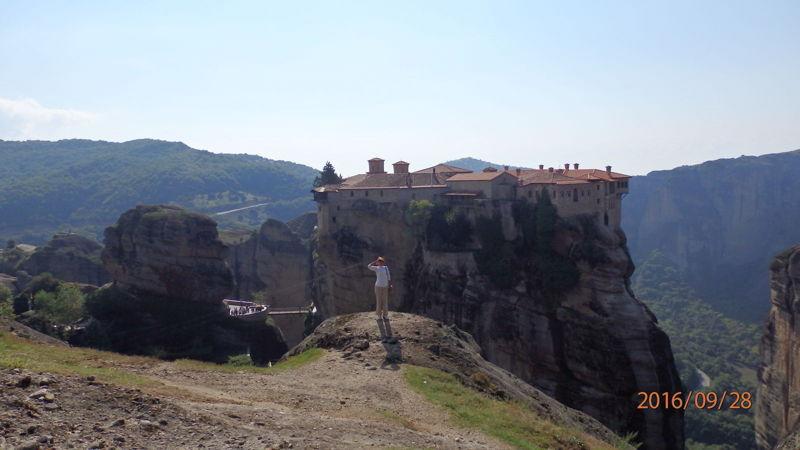 Вид на монастырь Св. Варлаама со смотровой площадки