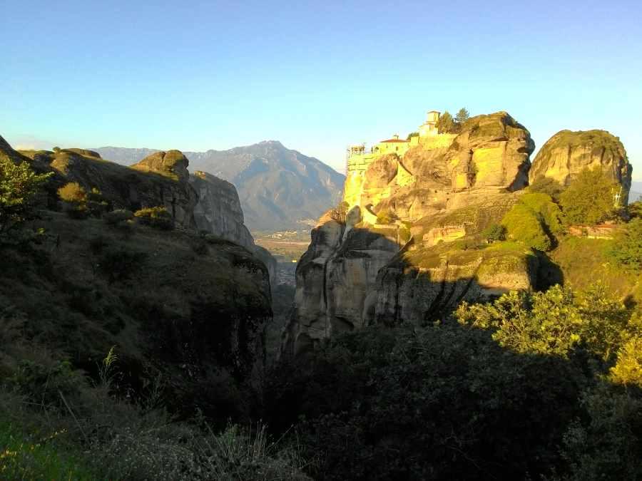 Виды на монастыри Метеоры