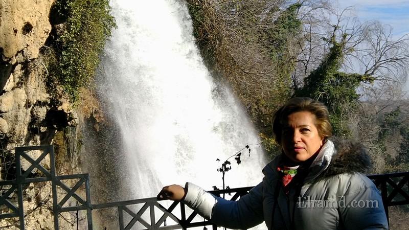 У водопада Каранос