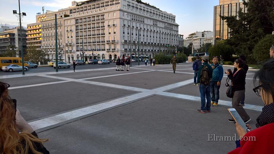 Смена караула греческих гвардейцев