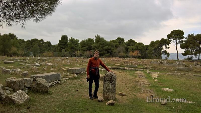 Среди руин Эпидавра
