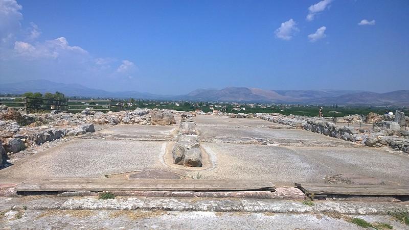 На раскопках Тиринфа