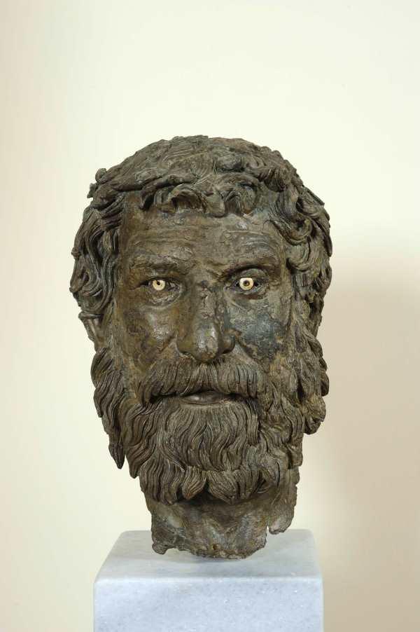 Голова философа, статуя с Антикитерского корабля