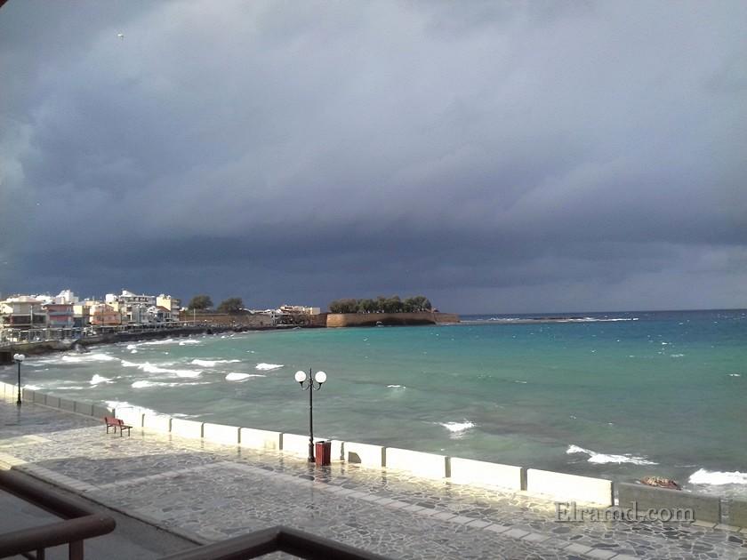 Непогода в порту Ханья