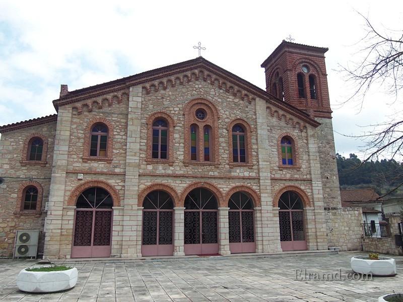 Церковь Трёх Иерархов, Фурка