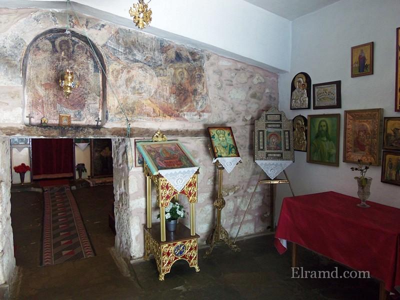 В храме Панагия Фанеромени