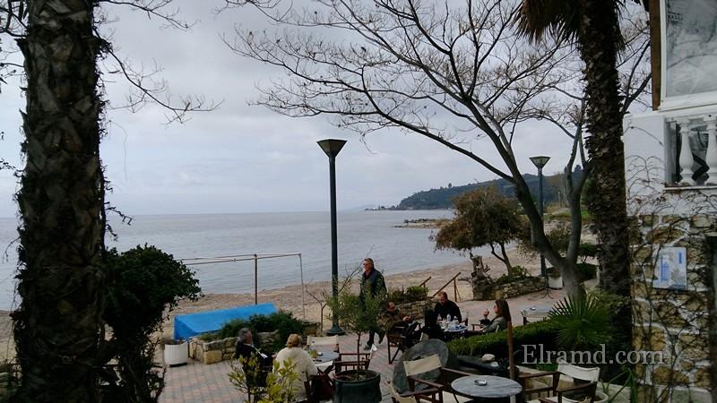 Лутра зимой, кафе Bussola