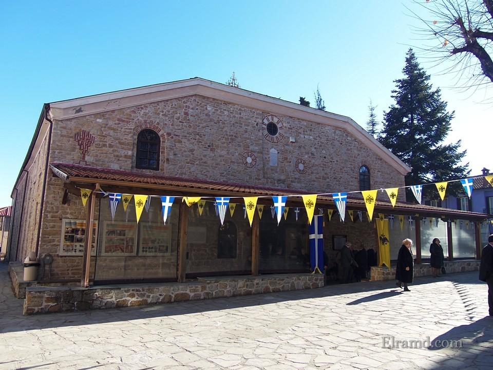 Храм Св. Стефана Арнея Халкидики