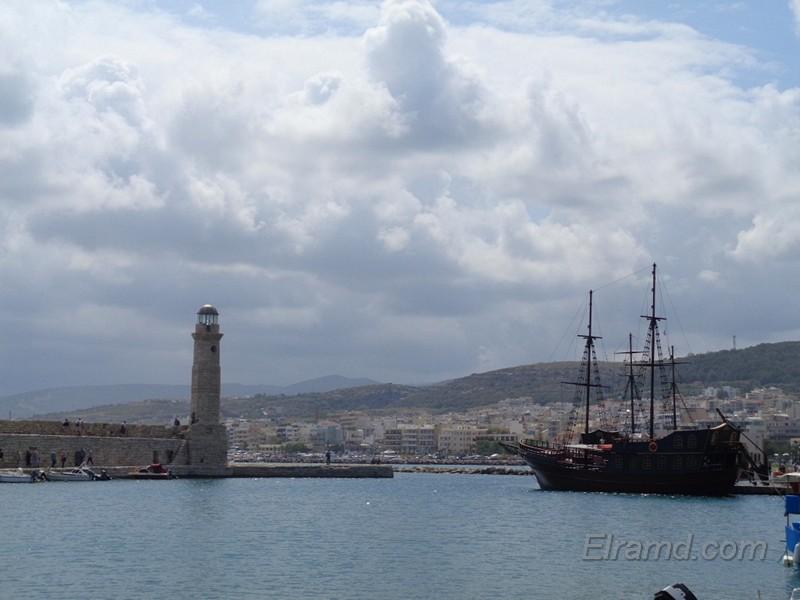 В порту Ретимно