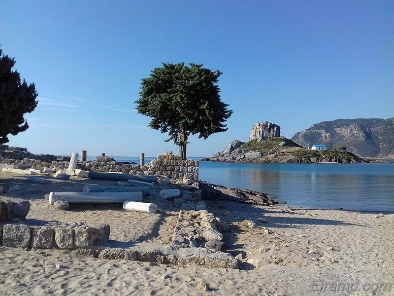 У пляжа Св. Стефана