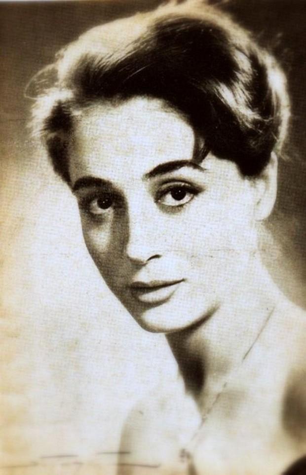 Элли Ламбети, греческая актриса