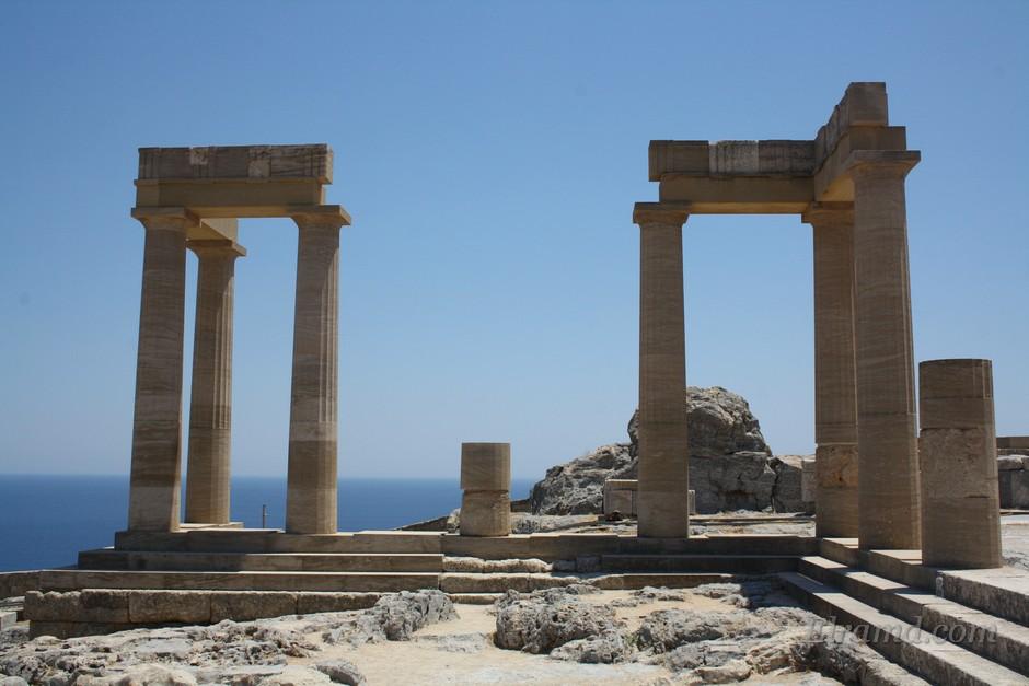 Древние руины на Родосе