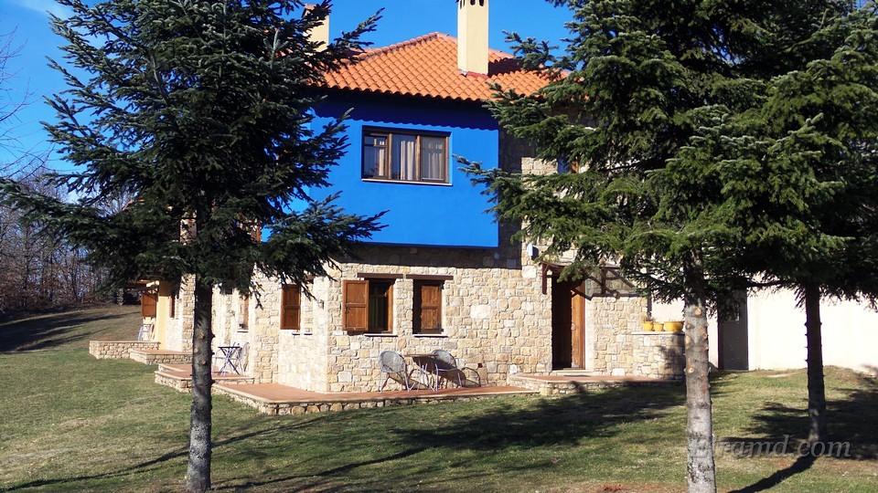 Уютные домики в Аполимени Петра