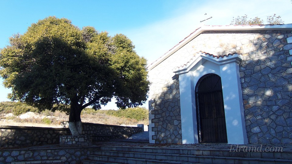 Вход в храм Св. Троицы