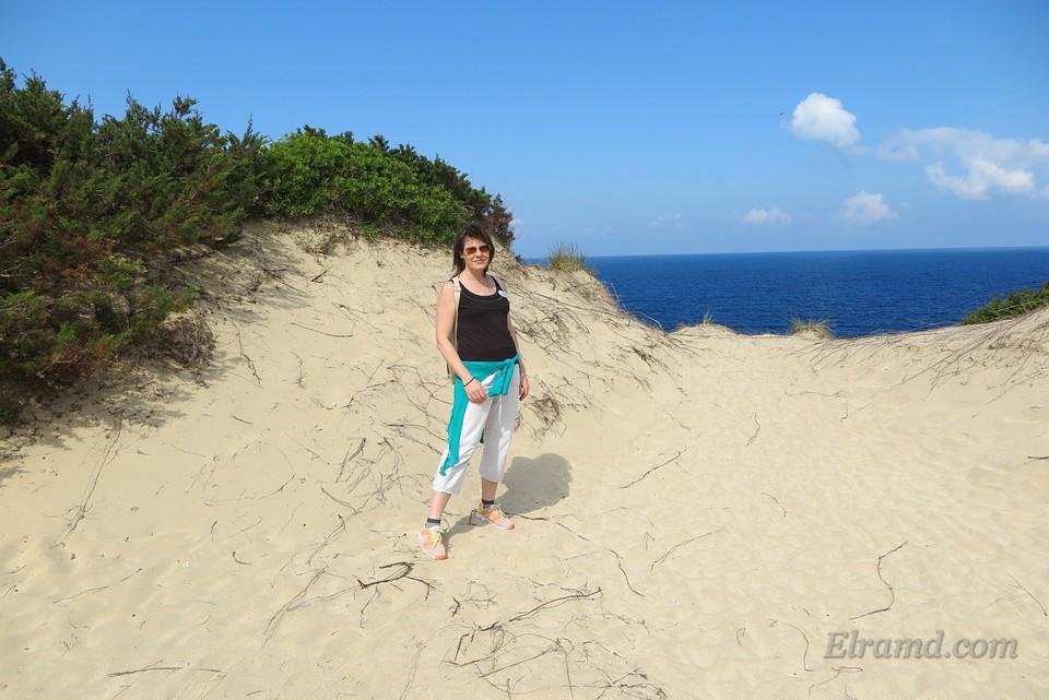 Нужно обойти по песчаной дюне всю бухту Войдокилья