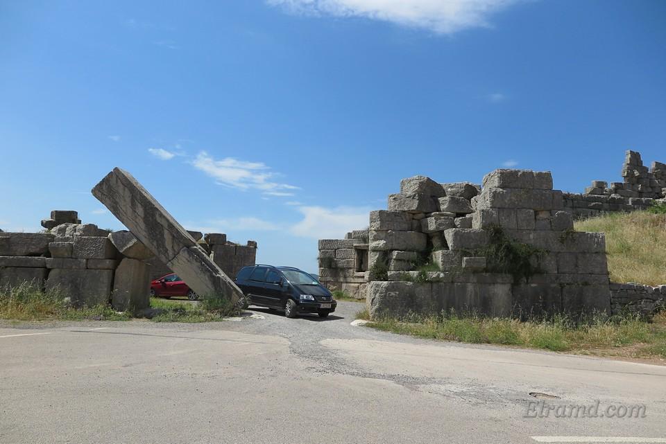 Аркадийские ворота