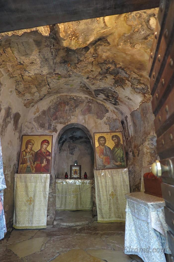 Внутри храма Св. Феодоры