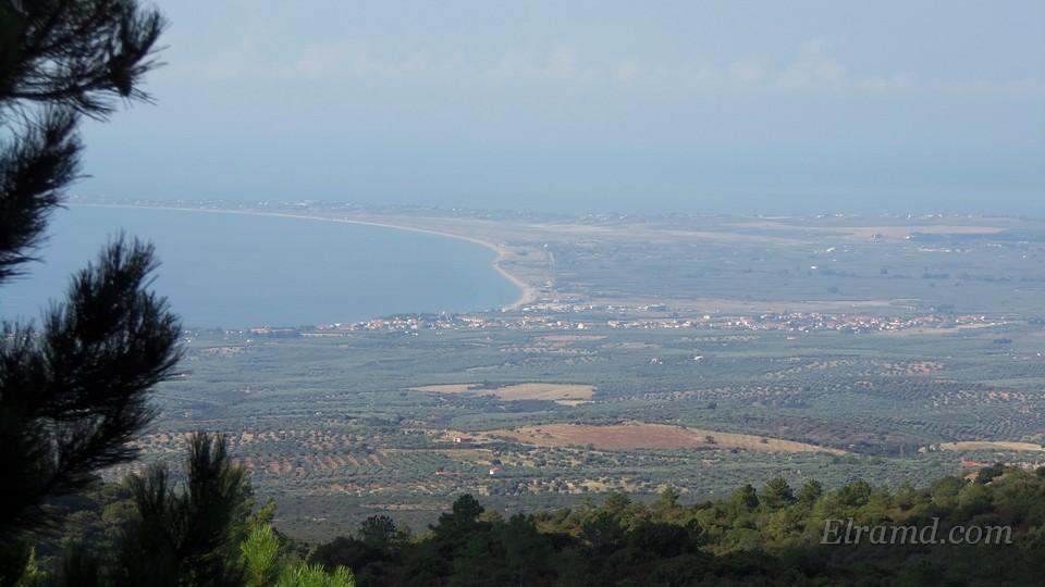 Вид с дороги на Кассандру и залив