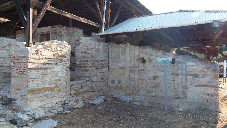 Стены главного храма
