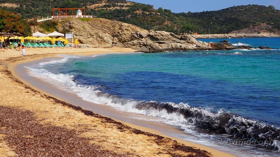 Песчаный пляж Сарти