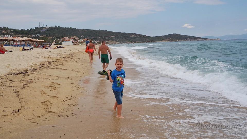 На пляже в Сарти были волны
