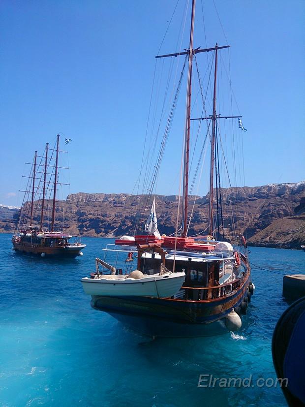 «Пиратские» прогулочные кораблики