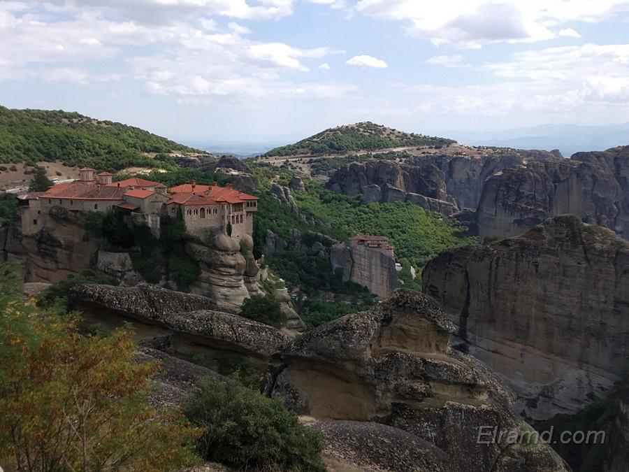Вид на один из монастырей